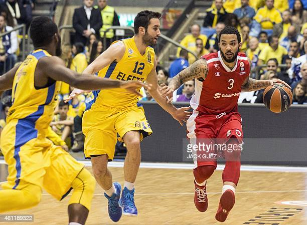 Red Star Belgrade's US guard Marcus Williams vies with Maccabi Electra Tel Aviv's Israeli guard Yogev Ohayon during their Euroleague Top 16...