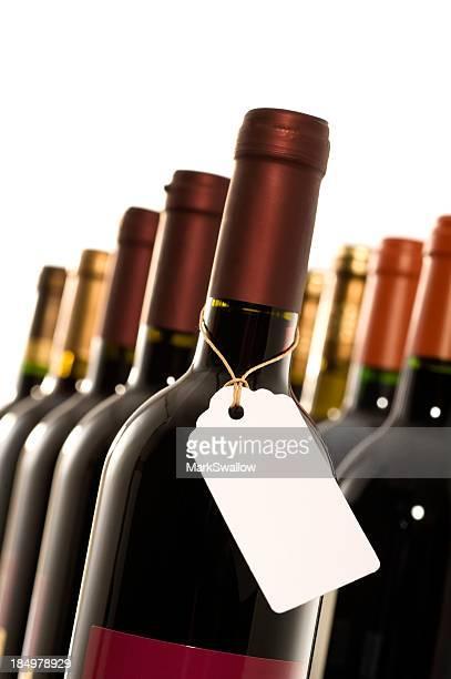 Bottiglie di vino con etichetta