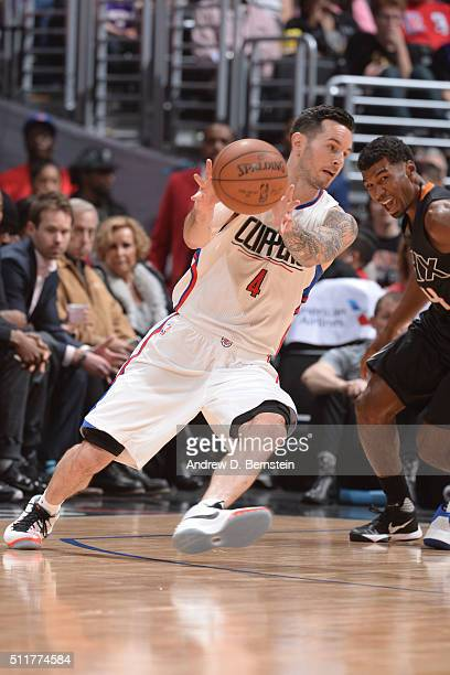 J Redick of the Los Angeles Clippers handles the ball against the Phoenix Suns on February 22 2016 at STAPLES Center in Los Angeles California NOTE...