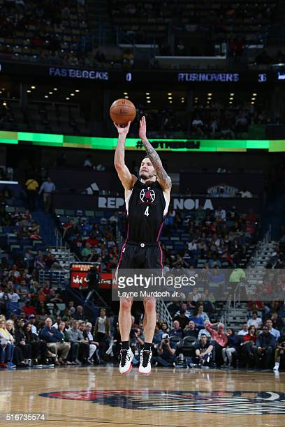 J Redick of the Los Angeles Clippers shoots the ball against the New Orleans Pelicans on March 20 2016 at Smoothie King Center in New Orleans...