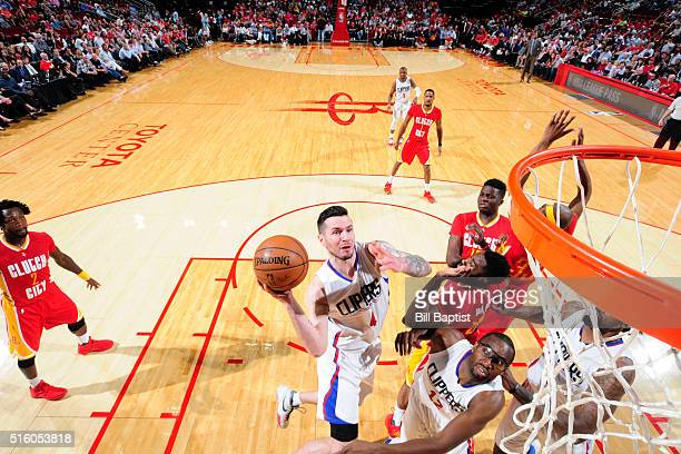 J Redick of the Los Angeles Clippers shoots the ball against the Houston Rockets on March 16 2016 at the Toyota Center in Houston Texas NOTE TO USER...