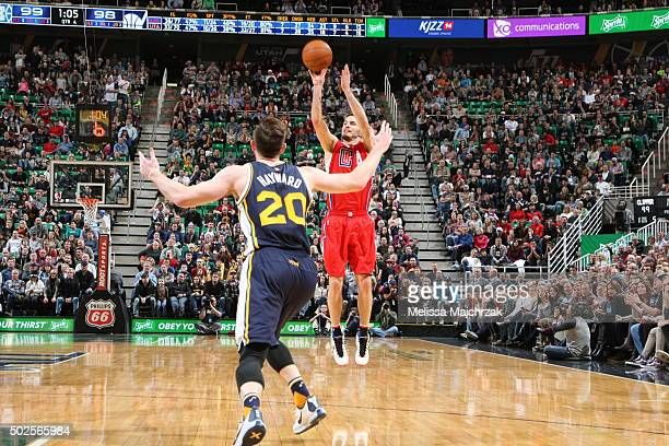 J Redick of the Los Angeles Clippers shoots the ball against the Utah Jazz on December 26 2015 at vivintSmartHome Arena in Salt Lake City Utah NOTE...