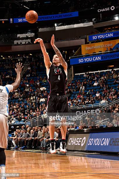 J Redick of the Los Angeles Clippers shoots the ball during the game against the Orlando Magic on February 5 2016 at Amway Center in Orlando Florida...