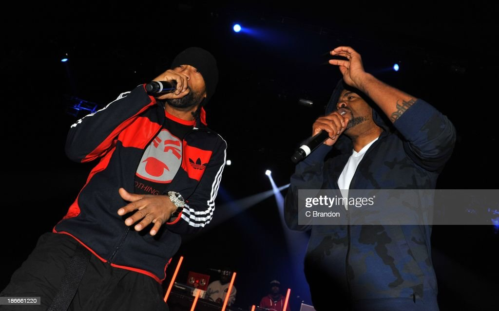 Redman and Method Man perform on stage during the Superstars Of Hip Hop concert at Eventim Apollo, Hammersmith on November 2, 2013 in London, United Kingdom.