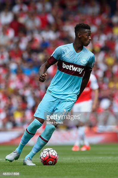 Reece Oxford of West Ham in action during the Barclays Premier League match between Arsenal and West Ham United at Emirates Stadium on August 9 2015...