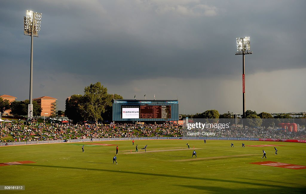 Reece Topley of England bowls under dark skies during the 3rd Momentum ODI match between South Africa and England at Supersport Park on February 9, 2016 in Centurion, South Africa.