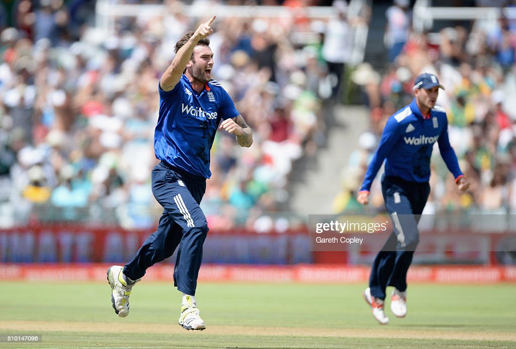 Reece Topley of England celebrates dismissing Faf du Plessis of South Africa during the 5th Momentum ODI match between South Africa and England at Newlands Stadium on February 14, 2016 in Cape Town, South Africa.