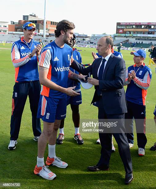 Reece Topley of England is presented with his ODI cap by former captain Nasser Hussain ahead of the 5th Royal London OneDay International match...