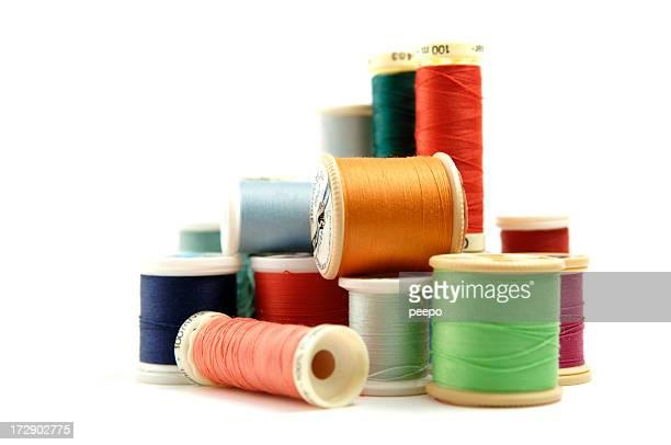 Bobinas de fios de costura colorida