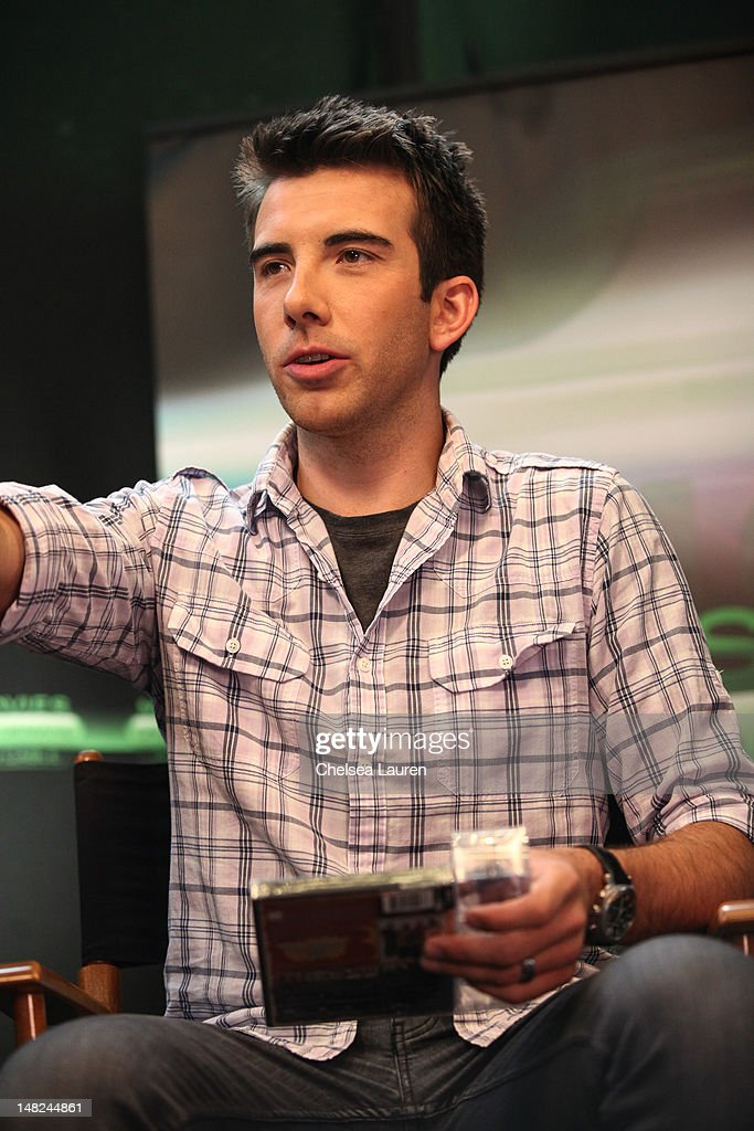 ReelzChannel host Jeremy Parsons speaks at the Movies On Demand lounge at Comic Con at Hard Rock Hotel San Diego on July 12, 2012 in San Diego, California.