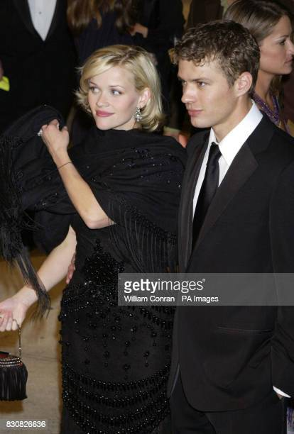 Reese Witherspoon and Ryan Phillippe leaving the Vanity Fair post Oscars party held at the Morton's restaurant in Los Angeles