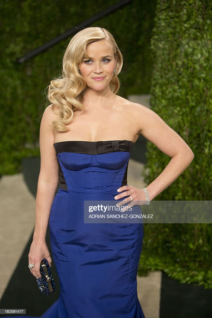 Reese Witherspoon arrives for the 2013 Vanity Fair Oscar Party on February 24, 2013 in Hollywood, California.
