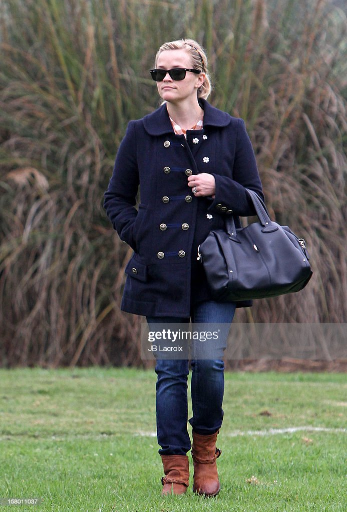 <a gi-track='captionPersonalityLinkClicked' href=/galleries/search?phrase=Reese+Witherspoon&family=editorial&specificpeople=201577 ng-click='$event.stopPropagation()'>Reese Witherspoon</a> attends a soccer game for her son in Pacific Palisades on December 8, 2012 in Los Angeles, California.