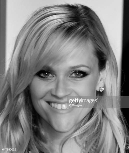 Reese Witherspoon attends the 2017 Vanity Fair Oscar Party hosted by Graydon Carter at Wallis Annenberg Center for the Performing Arts on February 26...
