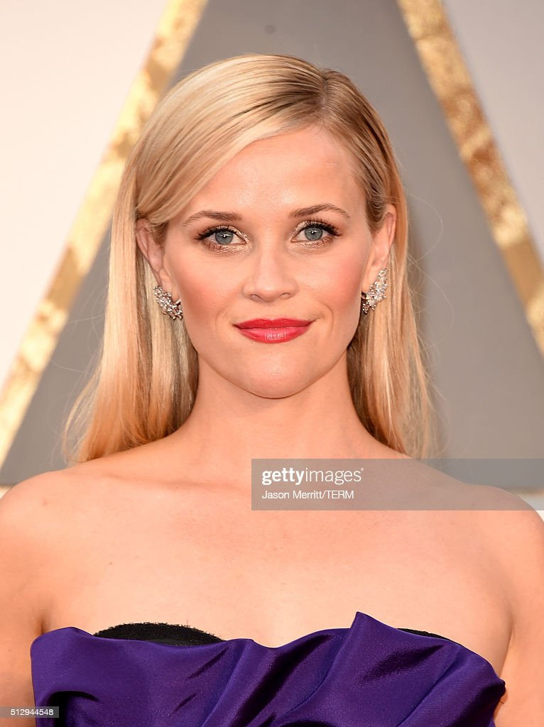 Reese Witherspoon attends the 88th Annual Academy Awards at Hollywood Highland Center on February 28 2016 in Hollywood California