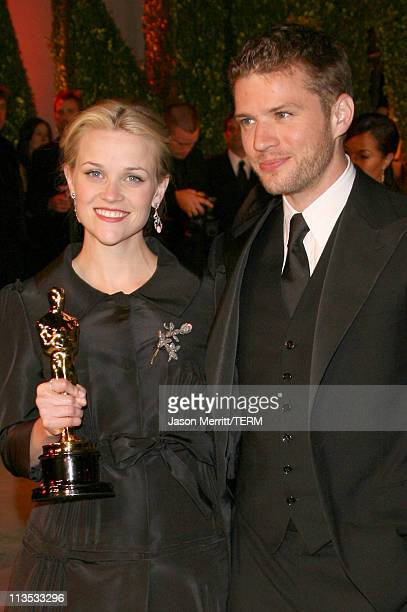 "Reese Witherspoon winner Best Actress in a Leading Role for ""Walk the Line"" and Ryan Phillippe"