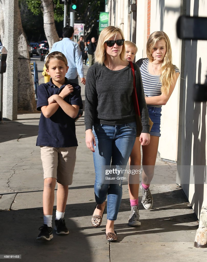<a gi-track='captionPersonalityLinkClicked' href=/galleries/search?phrase=Reese+Witherspoon&family=editorial&specificpeople=201577 ng-click='$event.stopPropagation()'>Reese Witherspoon</a> with her children, <a gi-track='captionPersonalityLinkClicked' href=/galleries/search?phrase=Deacon+Phillippe&family=editorial&specificpeople=7367408 ng-click='$event.stopPropagation()'>Deacon Phillippe</a>, <a gi-track='captionPersonalityLinkClicked' href=/galleries/search?phrase=Ava+Phillippe&family=editorial&specificpeople=7367407 ng-click='$event.stopPropagation()'>Ava Phillippe</a> and <a gi-track='captionPersonalityLinkClicked' href=/galleries/search?phrase=Tennessee+Toth&family=editorial&specificpeople=11684742 ng-click='$event.stopPropagation()'>Tennessee Toth</a> are seen on December 20, 2013 in Los Angeles, California.