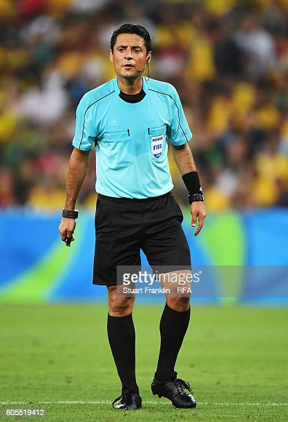 Referee Alireza Faghani looks on during the Olympic Men's Final Football match between Brazil and Germany at Maracana Stadium on August 20 2016 in...