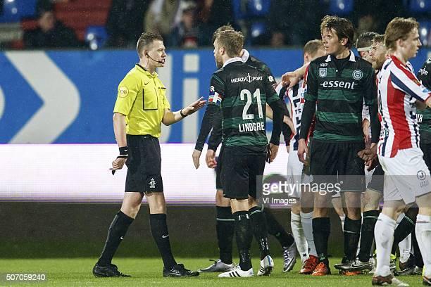 referee Allard Lindhout Alexander Sorloth of FC Groningen Rasmus Lindgren of FC Groningen Frank van der Struijk of Willem II Funso Ojo of Willem II...