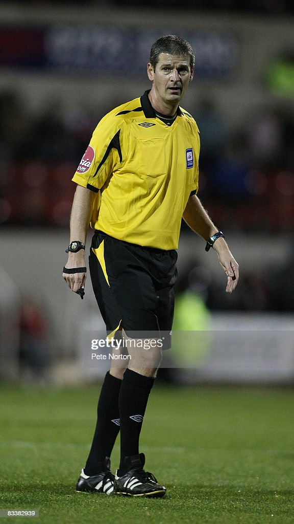 Referee Andy D'Urso in action during the Coca Cola League One Match between Swindon Town and Northampton Town at the County Ground on October 21, 2008 in Swindon, England.