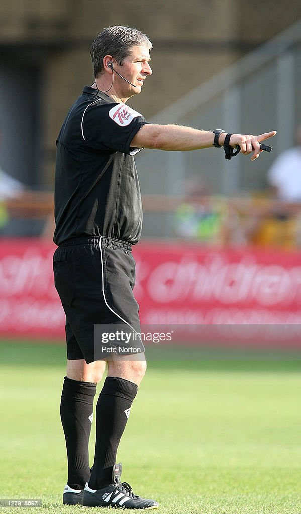 Referee Andy D'Urso in action during the npower League two match between Barnet and Northampton Town at Underhill Stadium on October 1, 2011 in Barnet, England.