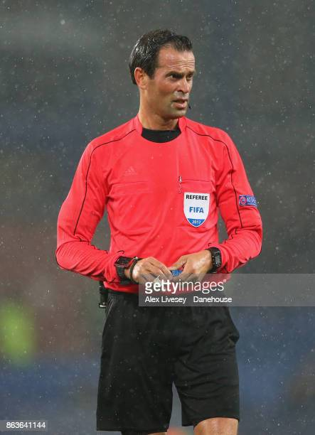 Referee Bas Nijhuis looks on during the UEFA Europa League group E match between Everton FC and Olympique Lyon at Goodison Park on October 19 2017 in...