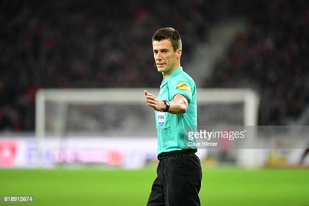 Referee Benoit Bastien during the French Ligue 1 match between Lille and Paris Saint Germain at Stade PierreMauroy on October 29 2016 in Lille France