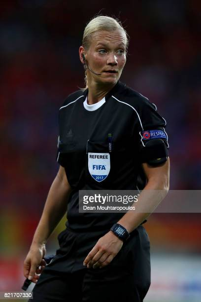 Referee Bibiana Steinhaus of Germany looks on during the Group A match between Belgium and Netherlands during the UEFA Women's Euro 2017 at Koning...