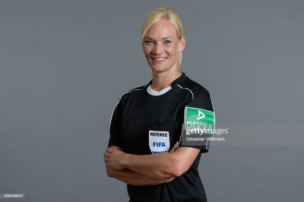 DFB Referees Portrait Session