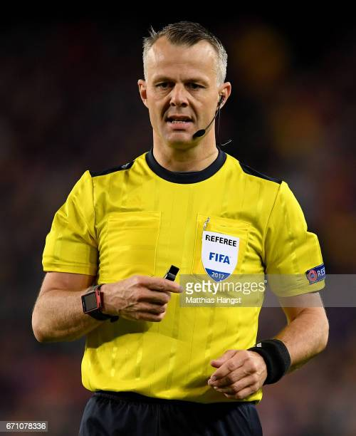 Referee Bjoern Kuipers seen during the UEFA Champions League Quarter Final second leg match between FC Barcelona and Juventus at Camp Nou on April 19...