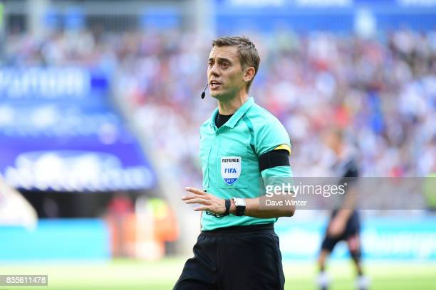 Referee Clement Turpin during the Ligue 1 match between Olympique Lyonnais and FC Girondins de Bordeaux at Groupama Stadium on August 19 2017 in Lyon