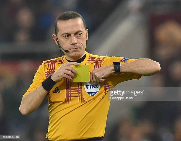 Referee Cuneyt Cakir during the UEFA Europa League Round of 16 match between AS Roma and ACF Fiorentina at Olimpico Stadium on March 19 2015 in Rome...