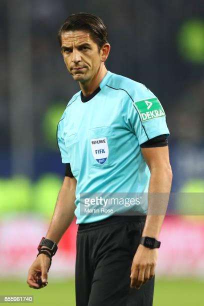 Referee Deniz Aytekin during the Bundesliga match between Hamburger SV and SV Werder Bremen at Volksparkstadion on September 30 2017 in Hamburg...