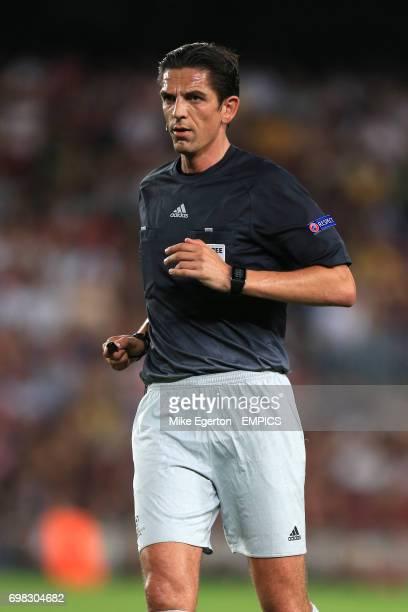 Referee Deniz Aytekin