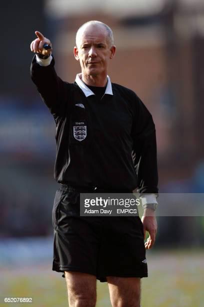 Referee Dermot Gallagher