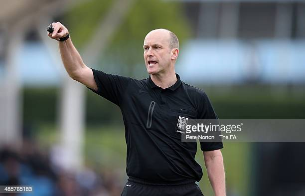 Referee Duncan Street in action during the FA WSL 1 match between Manchester City Women and Bristol Academy Women at Manchester Sportcity on April 20...