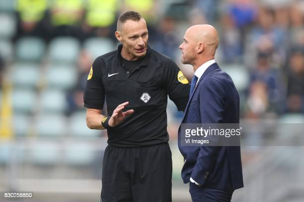referee Ed Janssen coach Erik ten Hag of FC Utrecht during the Dutch Eredivisie match between ADO Den Haag and FC Utrecht at Kyocera stadium on...