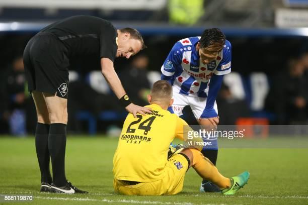 referee Ed Janssen goalkeeper Martin Hansen of sc Heerenveen Yuki Kobayashi of sc Heerenveen during the Dutch Eredivisie match between sc Heerenveen...