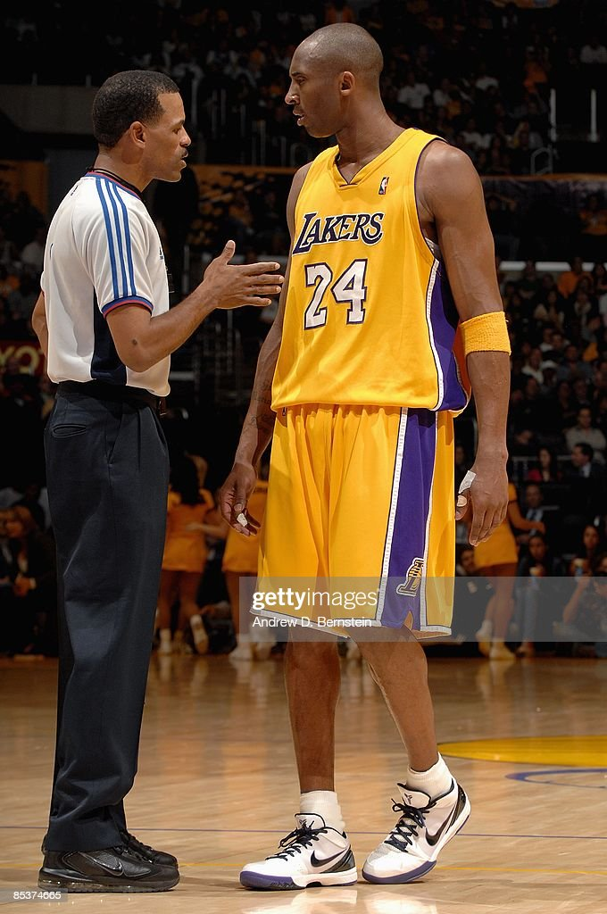 Referee Eric Lewis talks to Kobe Bryant of the Los Angeles Lakers during the game against the New Orleans Hornets on February 20 2009 at Staples...