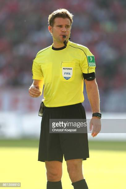 Referee Felix Brych is seen during the Bundesliga match between 1 FSV Mainz 05 and Hamburger SV at Opel Arena on October 14 2017 in Mainz Germany The...
