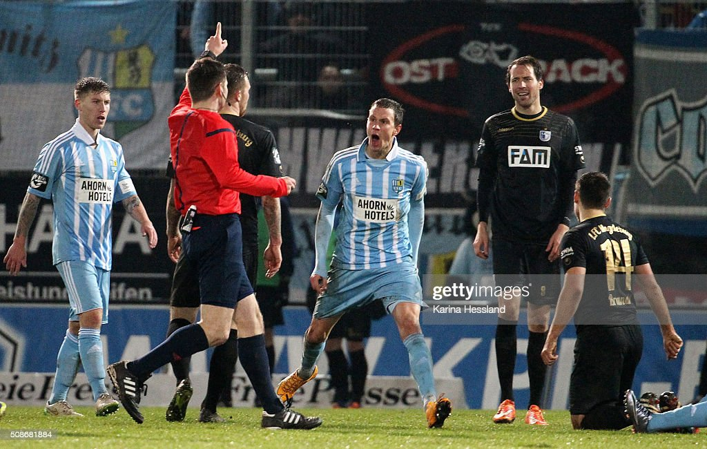 Referee Frank Willenborg reacts, Tim Danneberg of Chemnitz reacts during the Third League match between Chemnitzer FC and 1.FC Magdeburg at Stadion an der Gellertstrasse on February 05, 2016 in Chemnitz, Germany.