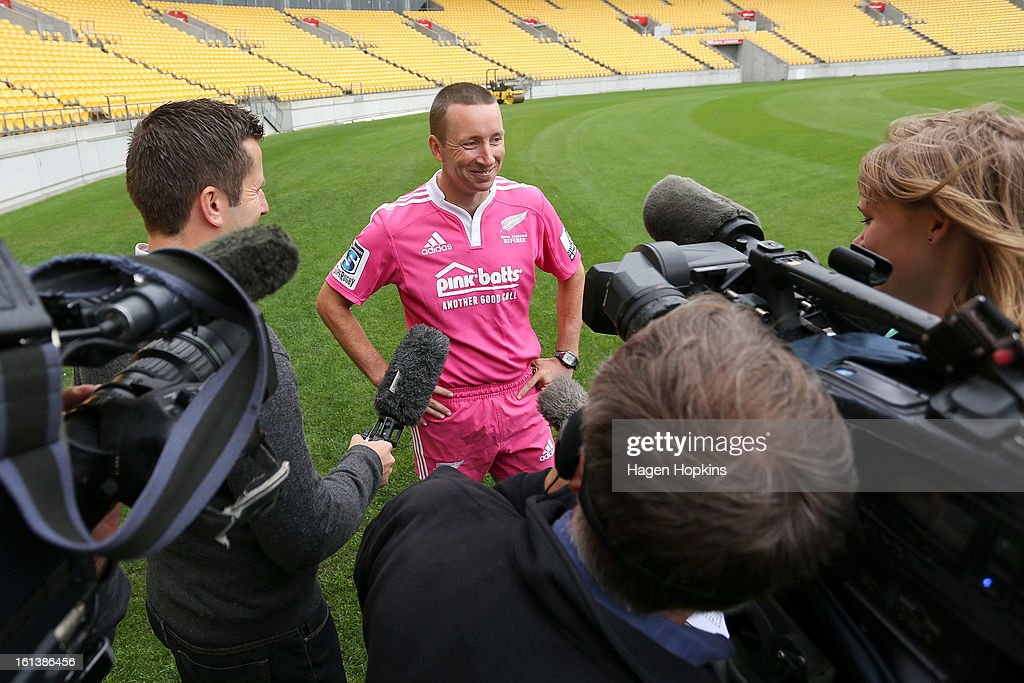 Referee Garratt Williamson talks to media about the 2013 New Zealand referee's strip during a media announcment at Westpac Stadium on February 11, 2013 in Wellington, New Zealand.
