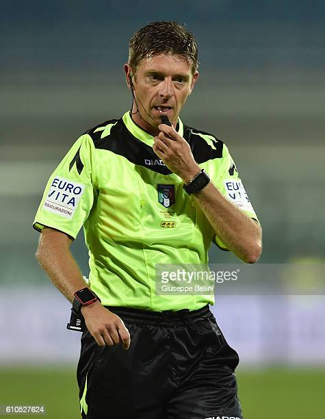 Referee Gianluca Rocchi during the Serie A match between FC Crotone and Atalanta BC at Adriatico Stadium on September 26 2016 in Pescara Italy