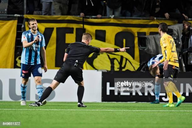 Referee Glenn Nyberg gives IF Elfsborg penalty kick during the Allsvenskan match between IF Elfsborg and Djurgardens IF at Boras Arena on September...