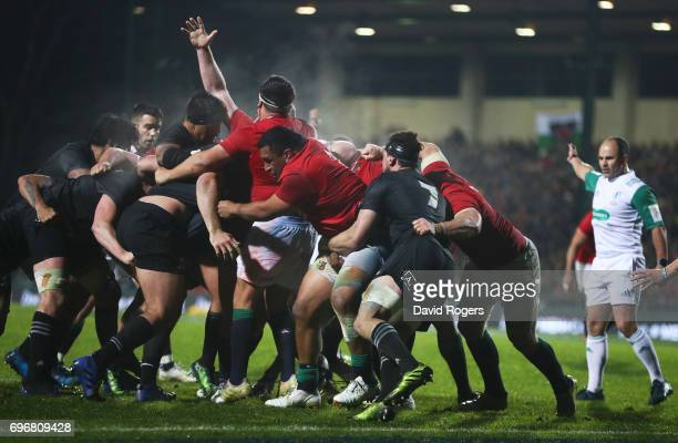 Referee Jaco Peyper of South Africa awards a penalty try as the Lions drive towards the Maori line during the 2017 British Irish Lions tour match...