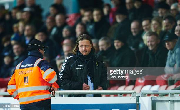 Referee Jens Grabski Maae sends Bo Henriksen head coach of AC Horsens on to the stands during the Danish Alka Superliga match between Silkeborg IF...