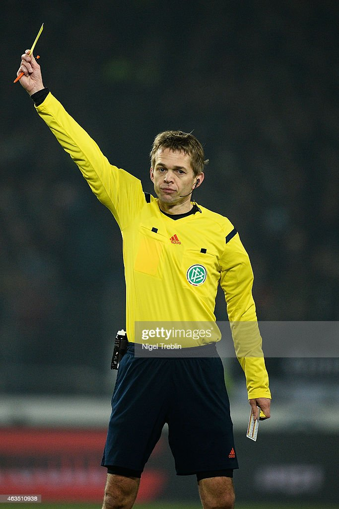 Referee <a gi-track='captionPersonalityLinkClicked' href=/galleries/search?phrase=Jochen+Drees&family=editorial&specificpeople=801383 ng-click='$event.stopPropagation()'>Jochen Drees</a> is pictured during the Bundesliga match between Hannover 96 and SC Paderborn 07 at HDI-Arena on February 15, 2015 in Hanover, Germany.