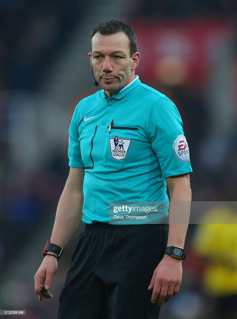 Referee <a gi-track='captionPersonalityLinkClicked' href=/galleries/search?phrase=Kevin+Friend&family=editorial&specificpeople=2941162 ng-click='$event.stopPropagation()'>Kevin Friend</a> during the Barclays Premier League match between Stoke City and Aston Villa at the Britannia Stadium on February 27, 2016 in Stoke-on-Trent, England.