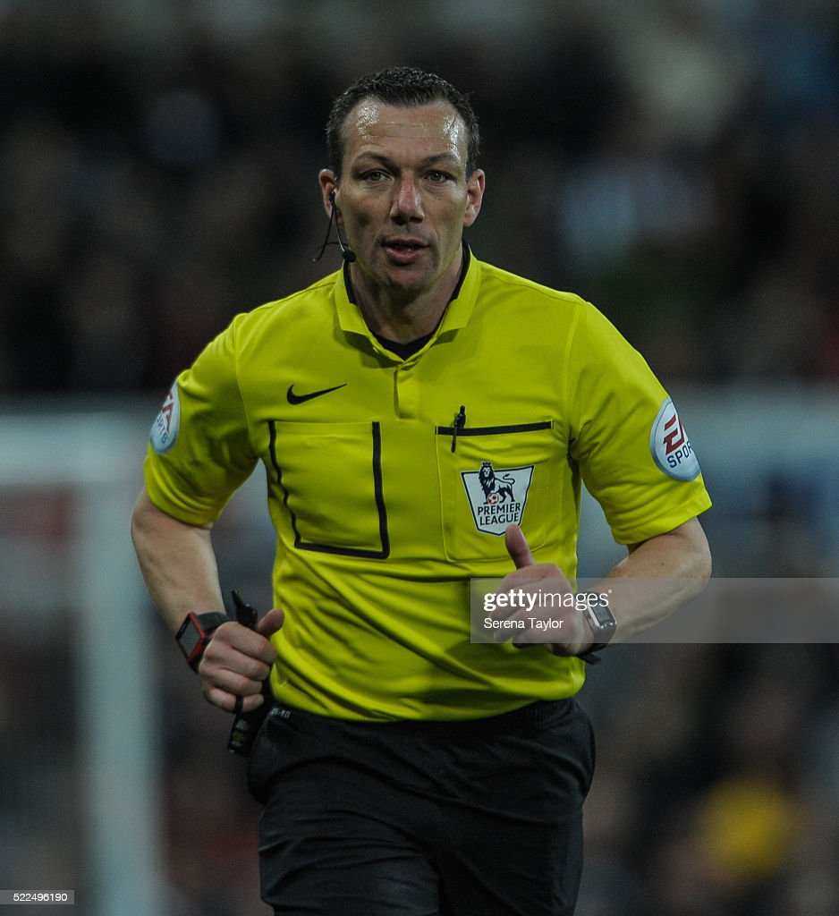 Referee <a gi-track='captionPersonalityLinkClicked' href=/galleries/search?phrase=Kevin+Friend&family=editorial&specificpeople=2941162 ng-click='$event.stopPropagation()'>Kevin Friend</a> during the Barclays Premier League match between Newcastle United and Manchester City at St.James' Park on April 19, 2016, in Newcastle upon Tyne, England.