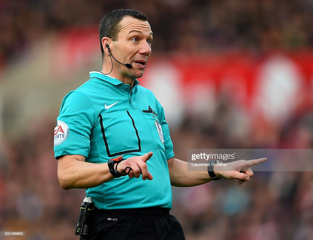 Referee <a gi-track='captionPersonalityLinkClicked' href=/galleries/search?phrase=Kevin+Friend&family=editorial&specificpeople=2941162 ng-click='$event.stopPropagation()'>Kevin Friend</a> signals during the Barclays Premier League match between Stoke City and Manchester United at Britannia Stadium on December 26, 2015 in Stoke on Trent, England.